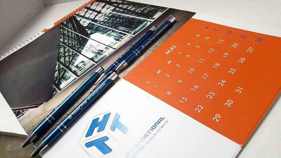 calendar personalizat pixuri personalizate ieftin
